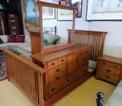 Vaughan Bassett Oak complete bedroom set. Dresser & mirror, chest ...