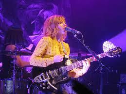 Sleater-Kinney's Carrie Brownstein Rocks her Polara | Guild Guitars