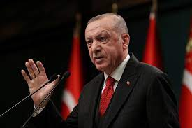 شاهد بالفيديو .. أردوغان يدعو الله ويتضرع إليه عقب صلاة الجمعة من أجل  المساعدة في إخماد الحرائق في تركيا - أوطان بوست