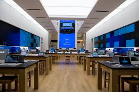 Microsoft debuts its first flagship store on New York City s Fifth