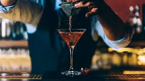 7 Vintage Cocktail Bars Die Dich Zurück In Die 20er