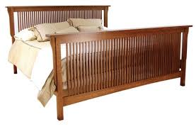 American Mission Queen Spindle Bed AMW-BD
