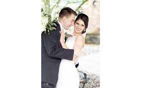 lipstick n lashes provides hair and makeup services for weddings promore