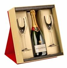 bollinger special cuvee brut chagne in gift set with 2 flutes nv 75 cl amazon co uk grocery