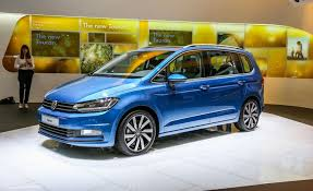 2016 volkswagen touran pictures photo gallery car and driver