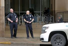Hospital Security Guard Do Armed Security Guards Make Hospitals Safer Shooting At Barnes