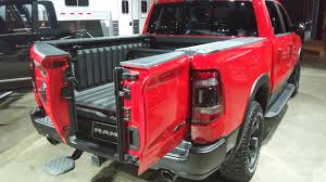 Dual-Hinged Truck Tailgate Opens Two Different Ways | Design News