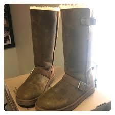 Size 9 UGG Classic Tall Dylan Never Worn w buckles