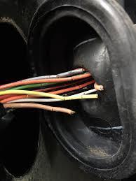 pontiac torrent door wiring harness problem car forums at edmunds com 2006 pontiac torrent driver door wiring harness at 2006 Pontiac Torrent Driver Door Wiring Harness