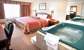 51 off one night jacuzzi room stay for two