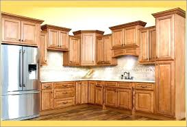crown mold on kitchen cabinets above molding under