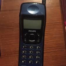 Old school mobile phone Philips Fizz ...