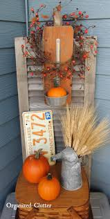 85 Pretty Autumn Porch Décor Ideas - DigsDigs