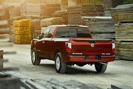 Review: 2017 Nissan Titan Pickup Truck Still Lags Behind the ...