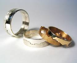 alternative to wedding ring. the join of wedding ring is created from a stretch coastline you choose yourself alternative to g