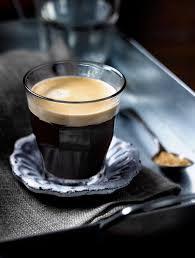 美式咖啡起源於義大利?!跟黑咖啡又差在哪?關於「美式咖啡」,三個容易誤會的迷思一次瞭解! | GQ Taiwan