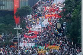 المظاهرات تعم البرازيل لإقالة بولسونارو   برازيل