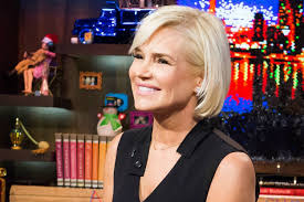 Yolanda Foster Hairstyle see yolanda fosters new short haircut by jennifer anistons hair 4155 by wearticles.com