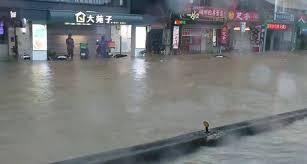 大台北地區雨勢大 新店、文山等多區一級淹水警戒【更新】 2021/6/4 13:27 (6/4 16:08 更新) 受颱風來襲影響,4日北市午後降下大雨,基隆路3段出現淹. Qwprr1z8ndwozm