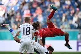 نجاة لاعب روسيا من إصابة خطيرة في العمود الفقري