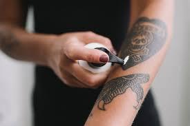 уход за татуировкой в первые дни после нанесения Tattoo Mall