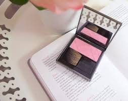 burberry light glow blush in peony review swatches fotd beauty photography