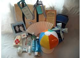 destination wedding gift bags. Plain Bags If A Lot Of People Are Coming In For The Wedding From Long Way Off Have  Welcome Bag Them At Hotel With Little Essentials Enjoying Local  Intended Destination Wedding Gift Bags