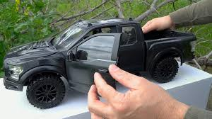 RC4WD Unboxing & <b>RC</b> First Run - RTR <b>4WD</b> Realistic <b>RC</b> Truck ...