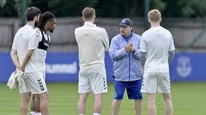 Premier League: FC Everton suspendiert Spieler aufgrund polizeilicher  Ermittlungen - Eurosport