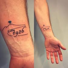 Tatuaggio Napoli Vesuvio Storia 1926 Tatuaggio