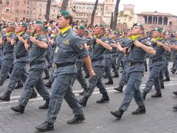 Risultati immagini per guardia di finanza antisommossa