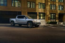 Rivian R1T all-electric pickup revealed: 400-mile range, 160-kw DC ...