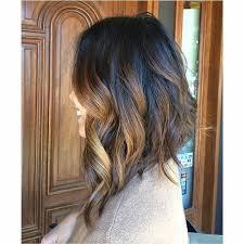 en capas para el hombro cabello largo