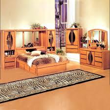 Bed Set With Mirror Headboard Silver Mirror Bedroom Set Bedroom Set ...