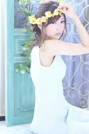 ウェディング可愛い花冠の髪型を大特集花嫁さん必見のアップスタイル