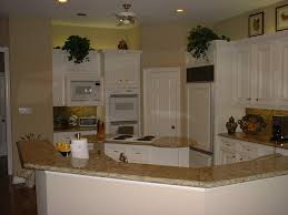 Venetian Gold Granite Kitchen Luxury New Venetian Gold With Cabinets Ideas Gold Silver Bronze
