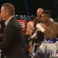 Rapper Blueface attacked in ring by fan ...
