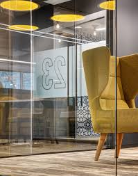 22 000 square foot tech incubator space build out that expands upon capital one s flagship space in chicago features flexible working environments with