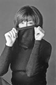 best ideas about nora ephron reading quotes we should all look as good as nora ephron does at but she s not crazy about getting older the good news is that she expounds upon aging and other issues