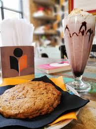 Ricetta dei Cookies o Chocolate Chip Cookies, ecco come farli.