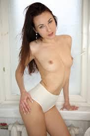 Slim brunette xxx porn