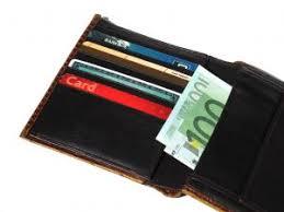 Resultado de imagem para carteira com cartões de crédito