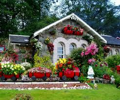 Small Picture Beautiful Garden Pictures Houses Home Design Ideas
