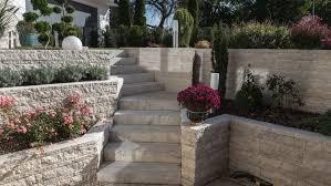 Sie bauen und wünschen sich ein schönes zuhause in ihrem ganz persönlichen stil? Naturstein Treppenstufen Beste Qualitat Von Der Nummer 1