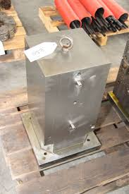 machining center pallet. vertical pallet for machining center i_02736678
