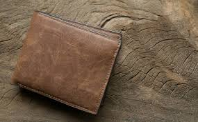 thin leather wallet pi do you want to show others how you re savvy with money one of the best ways is with a minimalist wallet that lets you carry the
