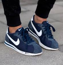black nike running shoes tumblr. 2014 cheap nike shoes for sale info collection off big discount.new roshe run,lebron james shoes,authentic jordans and foamposites online. black running tumblr s