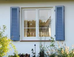 Ganz Schlicht Ein Sprossenfenster Aus Kunststoff In Weiß Außen