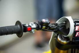 2018 suzuki motocross. brilliant suzuki mounted just to the right of engine cutoff switch is control and  indicator for suzukiu0027s shac system with 2018 suzuki motocross