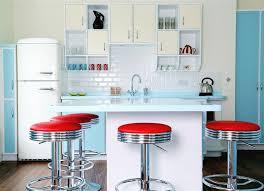 retro kitchen design red and turquoise kitchen décor ideas